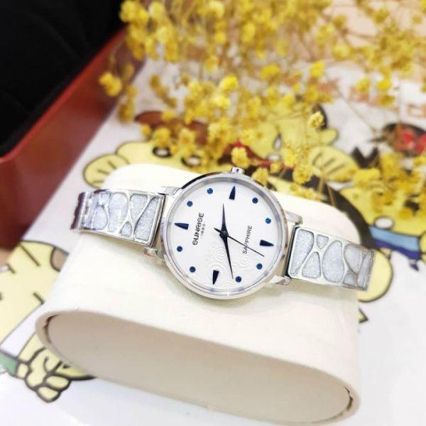 Đồng hồ nữ SUNRISE 9992SA lắc tay xinh, kính sapphire, chống nước 3ATM