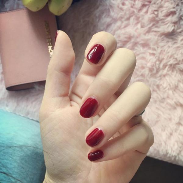 Bộ 24 móng tay giả màu đỏ tía (kèm keo+miếng dán+dũa) giá rẻ