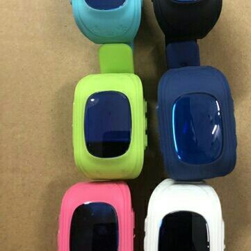 Đồng hồ định vị thông minh Q50 xanh lá bán chạy