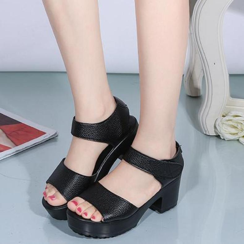 Giày Sandal nữcá tính,giày sandal nữ chất da quai dán ,đế cao 7cm S062 giá rẻ
