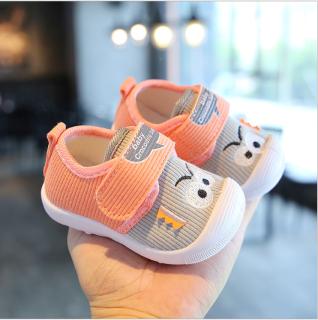 Giày cho bé trai bé gái mới biết đi. Giày có kèn cho bé. Giày đẹp cho bé 9-36 tháng. Giày cao cấp cho bé. Giày dễ thương cho bé. My little boss thumbnail