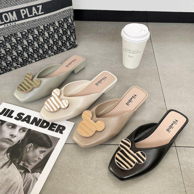 Giày sục nữ Logo Gấu - Giày sục nhựa đi mưa giá rẻ