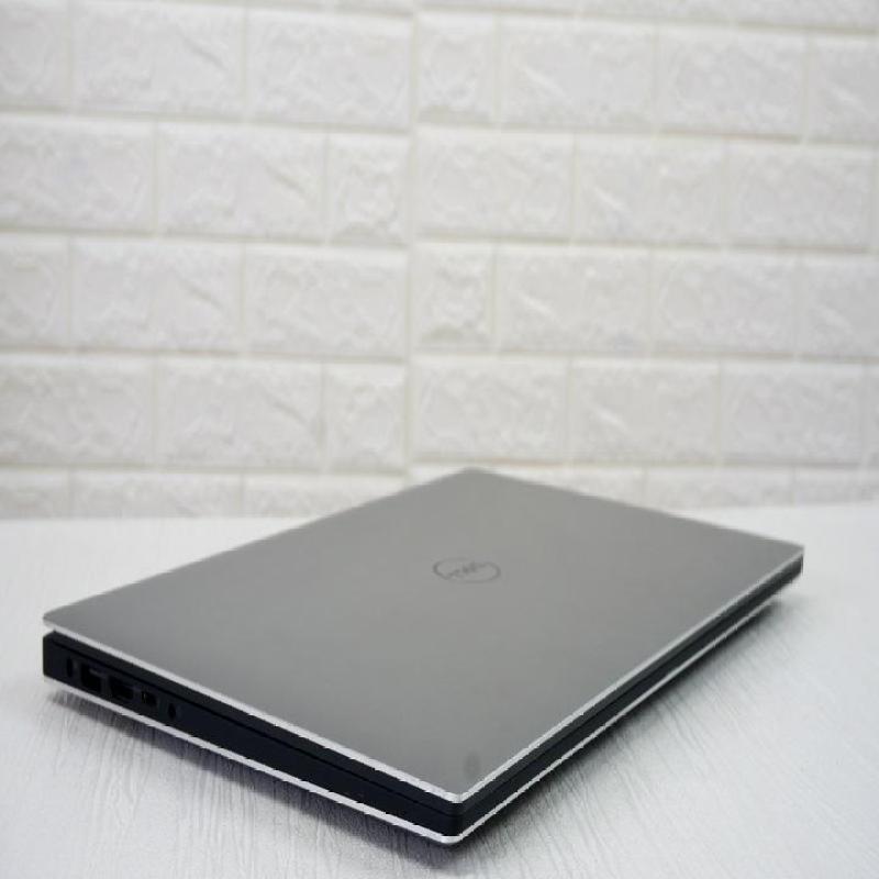 Dell XPS 15 9550 Core i7-6700HQ Ram 8gb Ổ Cứng ssd 256gb màn ips full HD