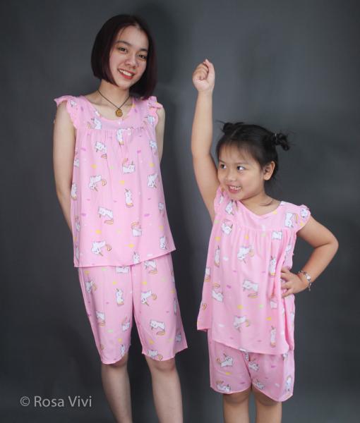 Giá bán Bộ tole lanh short thoáng mát cho mẹ và bé gái