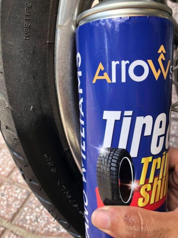 Chai xịt vệ sinh và làm mới nội thất da nhựa vỏ xe ArrowSP Tire & Trim 500ml