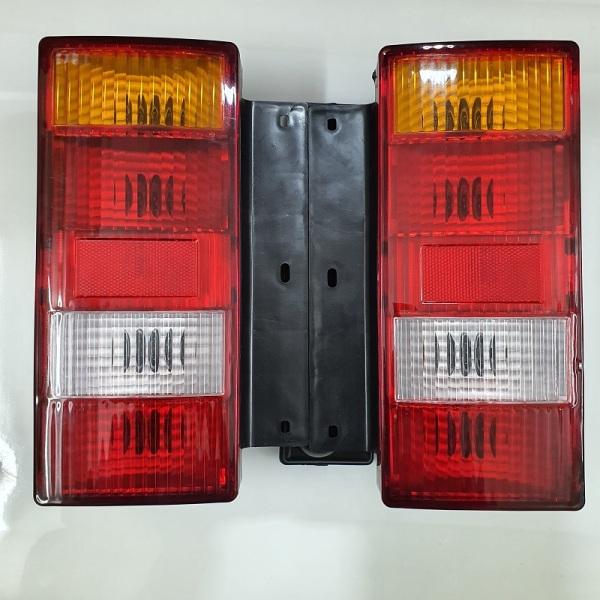 Đèn hậu xe tải vinaxuki