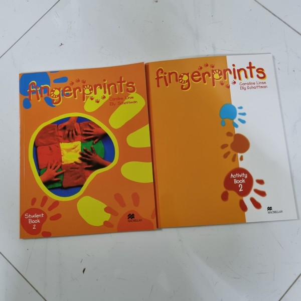 Bộ Finger Prints 2 ( bộ 2 cuốn ) cho bé tập làm quen với tiếng anh
