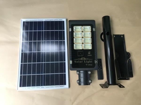 Bảng giá Bộ đèn led năng lượng mặt trời JYJ-1918 200w 8T sáng trắng. Sản phẩm sử dụng 100% năng lượng mặt trời. Có điều khiển từ xa tiện lợi và thông minh
