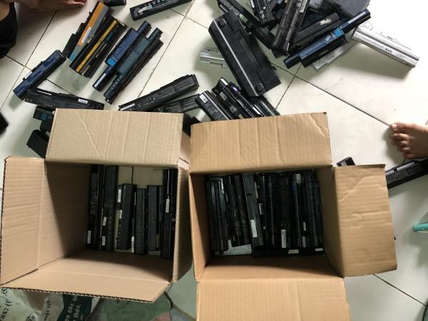 Bảng giá Pin laptop  combo 5 thanh 6 cell, tháo lấy cell sạc dự phòng, dùng cho đèn pin Phong Vũ