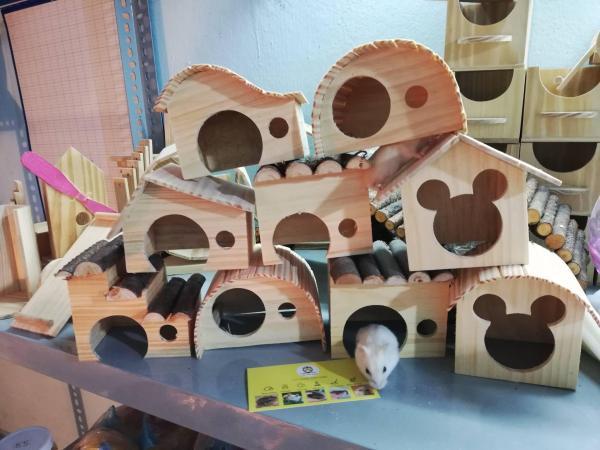 Nhà Ngủ GỖ Thông mini cho hamster hoặc trưng bày .