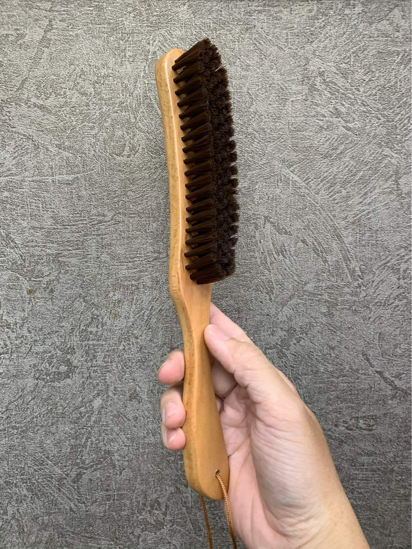 Chổi phủi tóc barber cán gỗ cong dài 27cm