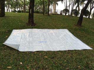 Tấm bạt che đa dụng màu trắng - xám, kích thước 2m x 3m may sẵn thumbnail
