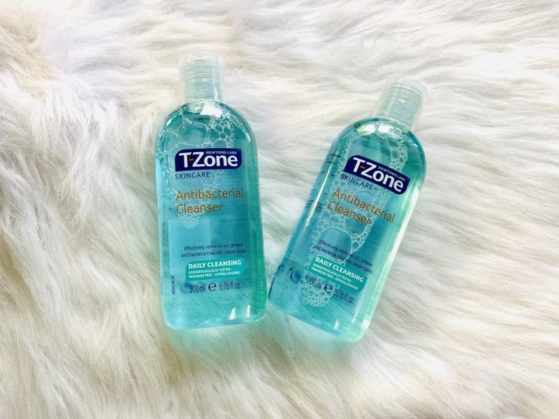 Toner làm sạch và diệt khuẩn cho da dầu mụn T-Zone giá rẻ