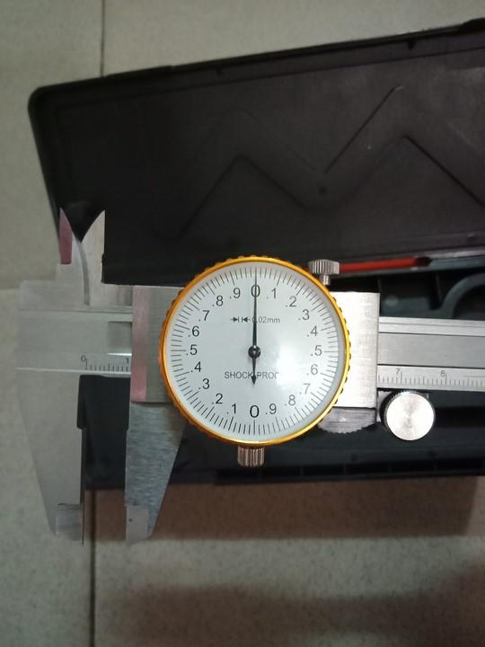 Thước kẹp đồng hồ 150mm bằng thép