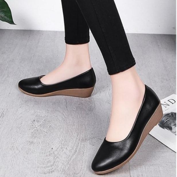 Giày nữ bít mũi đế xuồng form nhỏ hơn 1 size cao 3cm kiểu trơn da lì siêu nhẹ siêu mềm dáng công sở C26n có ảnh thật giá rẻ