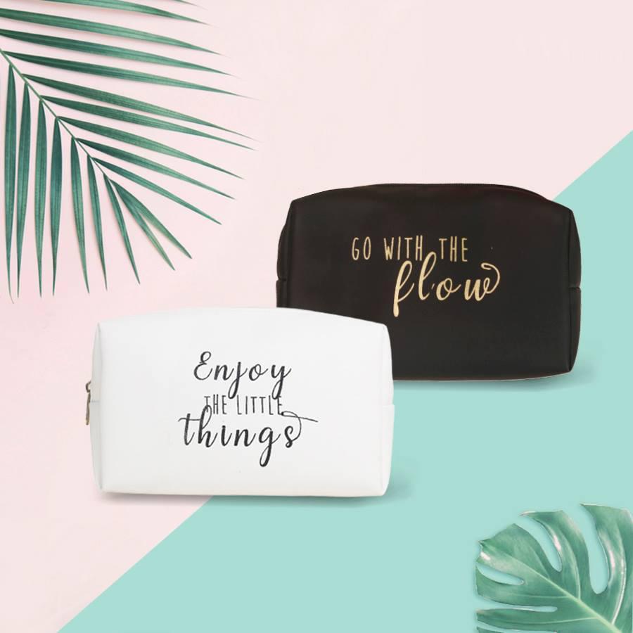Túi đựng mỹ phẩm đa năng cực xinh Go With The Flow chào hè sôi động cao cấp