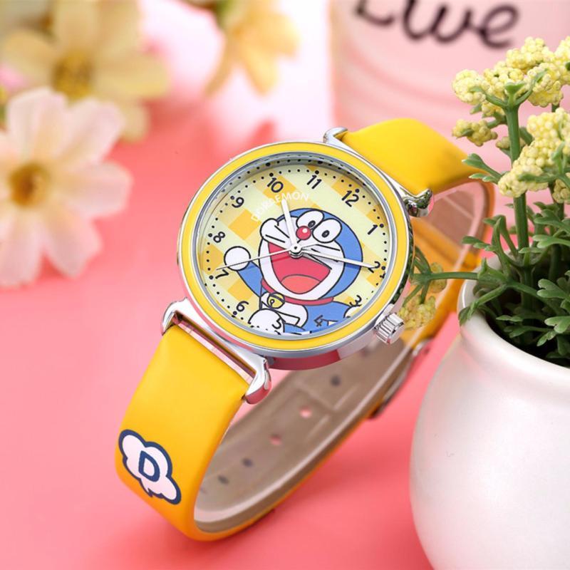 Đồng hồ trẻ em W08-V màu vàng giá tốt bán chạy