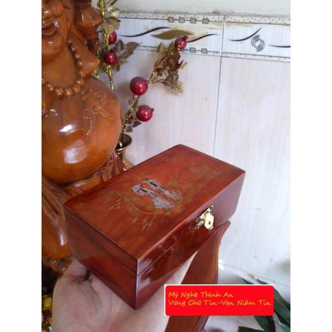 Hộp đựng nữ trang 5 tấc gỗ hương ta đỏ quý hiếm lót nhung kính TS5T