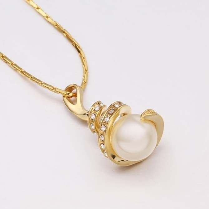 N589 Wholesale Nickle Free Antiallergic 18K Gold Plated Necklace pendants New Fashion Jewelry .