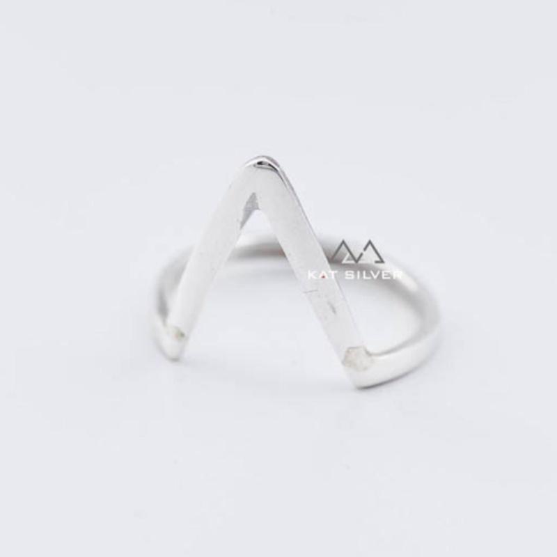 Nhẫn bạc 925 KAT Silver mặt chữ V lớn ITSRF100613