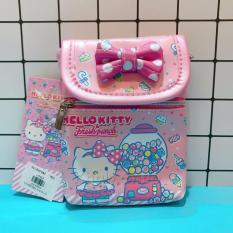 Giá bán Túi đeo chéo có nắp đậy 2 ngăn hình mèo Kitty fresh punch candy và cake màu hồng đính nơ dành cho bé gái (Thái Lan) - KTP217 (10.5x13cm)