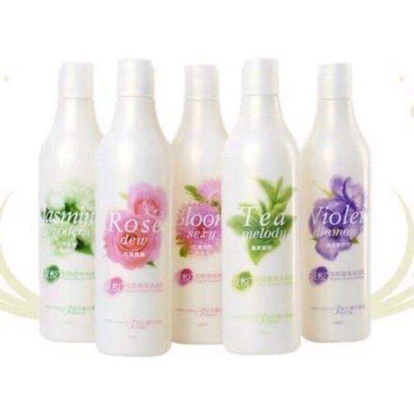 Sữa Tắm Nước Hoa Joyce & Dolls Cho Chó Mèo 400ml