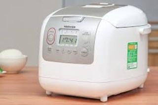 Nồi cơm điện tử Toshiba 1.8 lít RC-18NMFVN(WT)mới 100%,Lồng nồi hợp kim nhôm phủ chống Diamond Titanium dính dày 4mm Chức năng nấu Nấu cơm,Hâm nóng,Hâm soup,Nấu cháo,Nấu súp,Nấu nhanh,Luộc trứng, Hấp,Lên men,Làm bánh-BH 12 tháng thumbnail