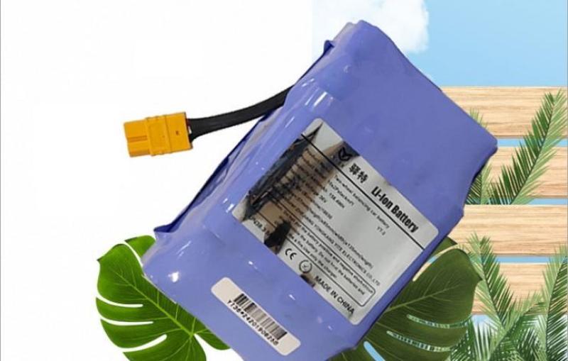 Giá bán Pin xe điện cân bằng 2 bánh 36V, dung lượng cao 4400mAh.