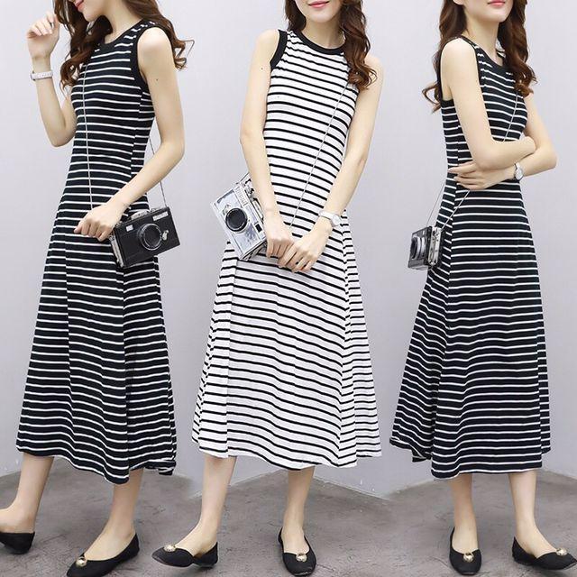 Đầm sọc trắng đen nữ hè 2019 Váy maxi kẻ phiên bản mới của Hàn Quốc Nhật Bản