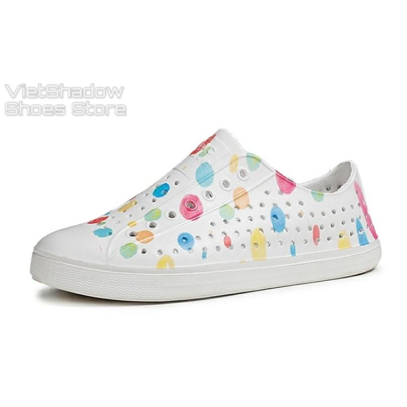 Giày nhựa đi mưa WNC NATlVE - Chất liệu EVA siêu nhẹ, êm, mềm, không thấm nước - Loại họa tiết sơn nhúng giá rẻ
