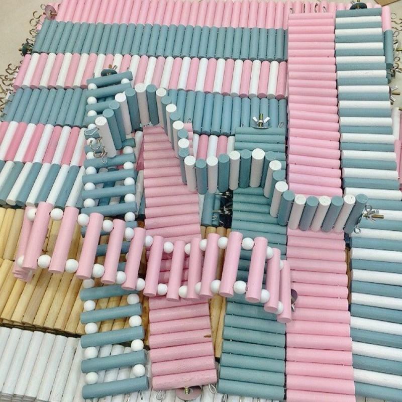 Cầu thang gỗ cao cấp cho Hamster, Thỏ, Bọ, Sóc Bông, Nhím, Sóc Bắc Mỹ, Dumbo Rat - Gỗ màu hồng/xanh dương ~30cm