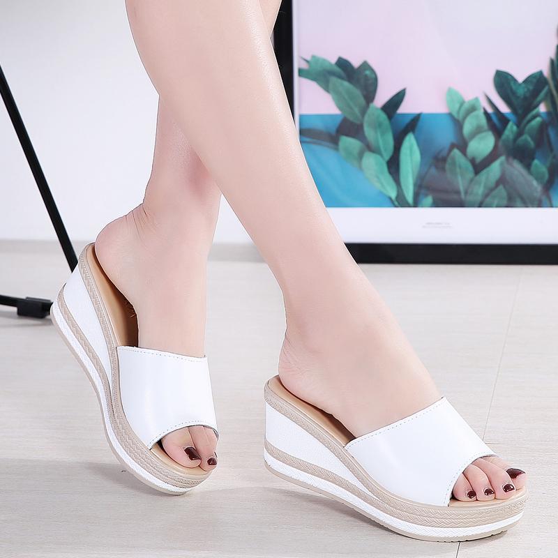 Sandal wanita 2019 musim panas model baru sol tebal Kulit asli sendal adem diluar ruangan hak