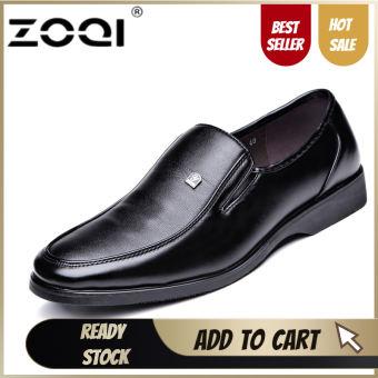 ZOQI ใหม่ลื่นบนรองเท้าชุดพื้นฐานรองเท้าของแท้รองเท้าหนังชายแฟชั่นจระเข้ผู้ชายรองเท้า