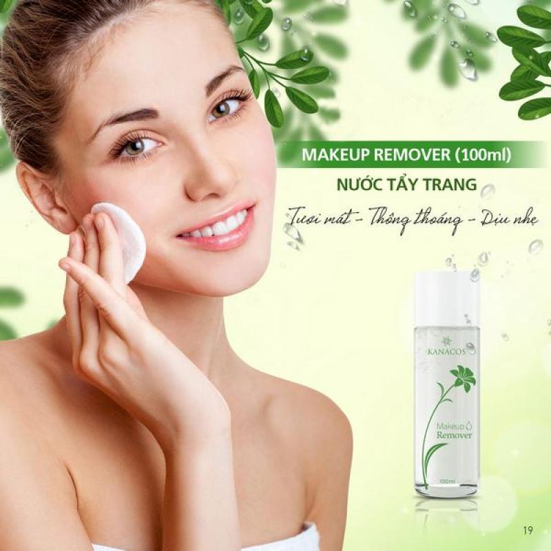 Nước tẩy trang an toàn cho da Kanacos Makeup Remover giúp bạn đánh bay chất bẩn cùng lớp trang điểm mà không phải lo sợ hóa chất nhập khẩu
