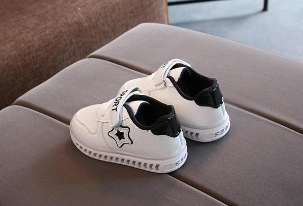 Giày đèn led cho bé từ 1 đến 5 tuổi- giày ngôi sao