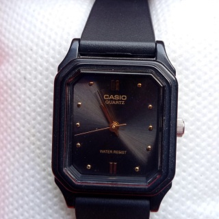 Đồng hồ nữ casio tank ( like new) thumbnail