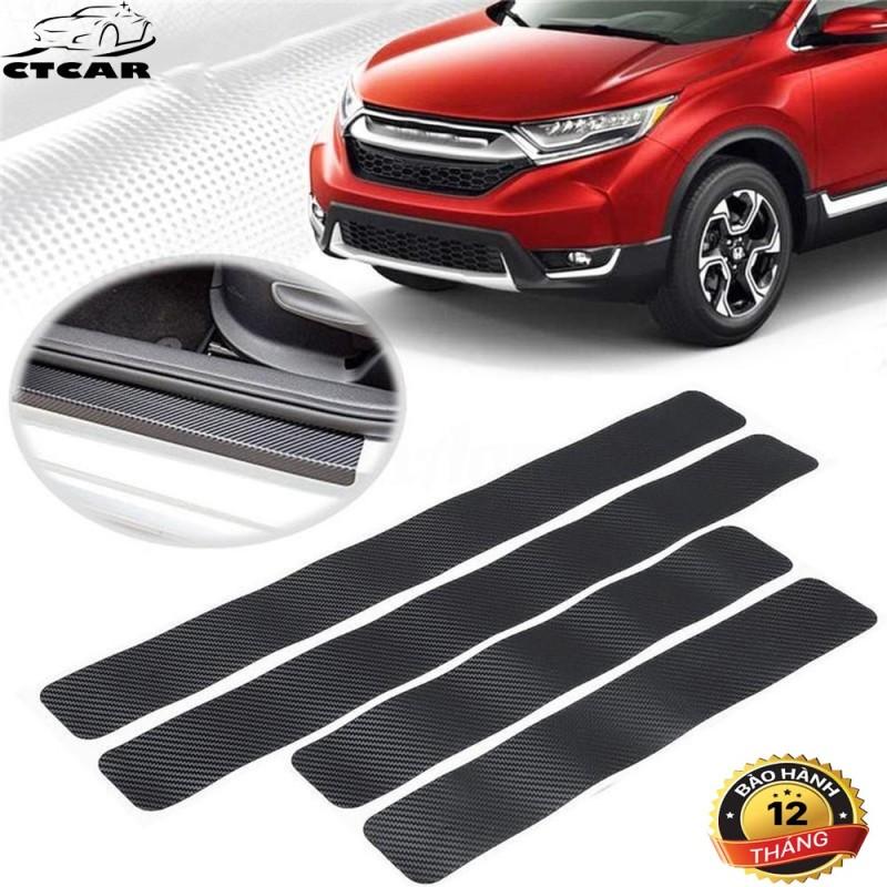 Bộ 4 miếng dán bậc chân cửa xe hơi chống xước,loại miếng dán cacbon chống xước ô tô Việt Car