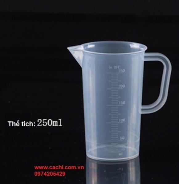 Ca đong bằng nhựa có chia vạch 250ml
