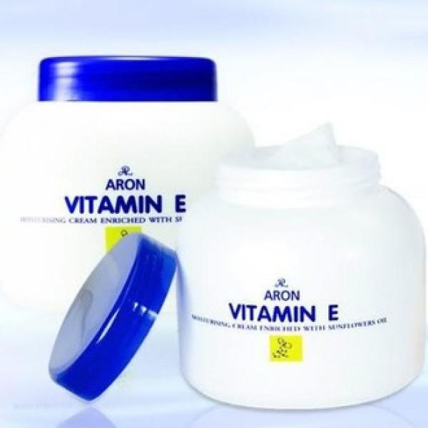 Kem dưỡng da dưỡng ẩm Vitamin E  Thái Lan 200g