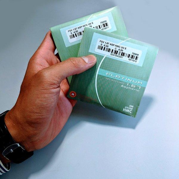 Giá bán Tròng kính cận có độ siêu mỏng, chính hãng ILT của Singapore ( chiết suất 1.67 )