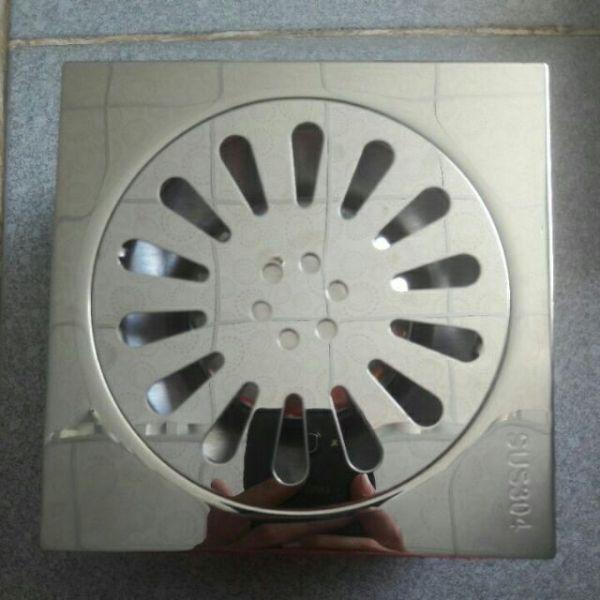 Bảng giá Thoát sàn chống hôi INox sus 304 bóng hàng đẹp 15x15cm