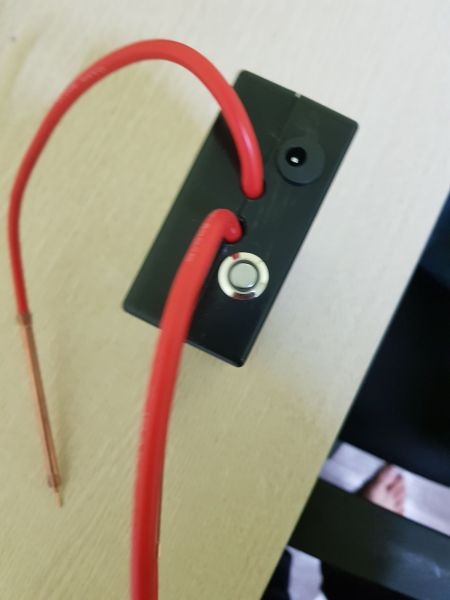 máy hàn cell 18650 dùng PIN hàn tặng 1 cuốn kẽm hàn