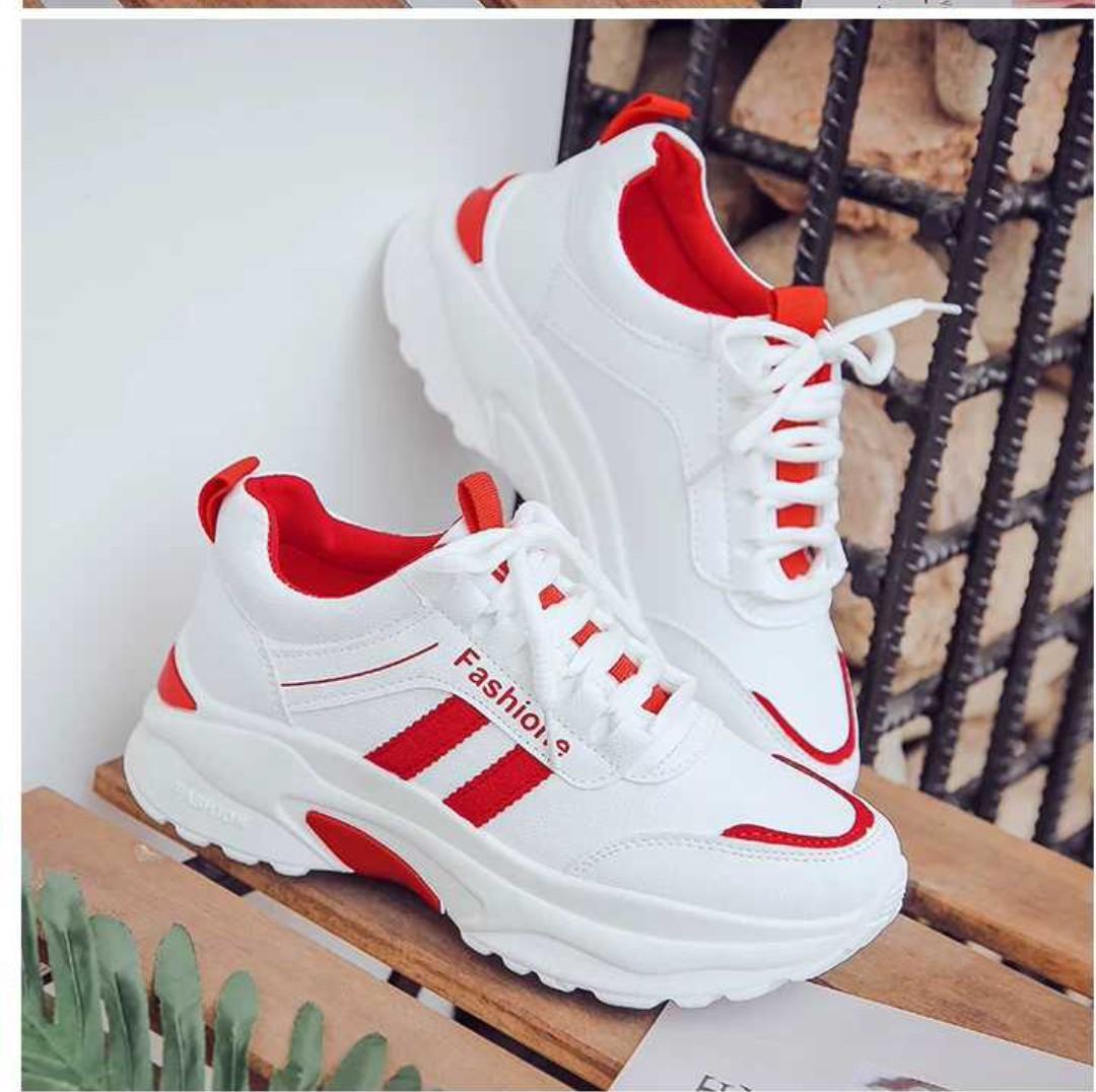 Giày thể thao nữ 3 màu (kiểu 1) 2 soc Nhật Bản