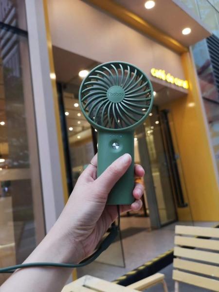 Quạt Yoobao mini cầm tay F3 pin sạc 6000mAh,3000mAh dùng tới 32h liên tục.Hàng