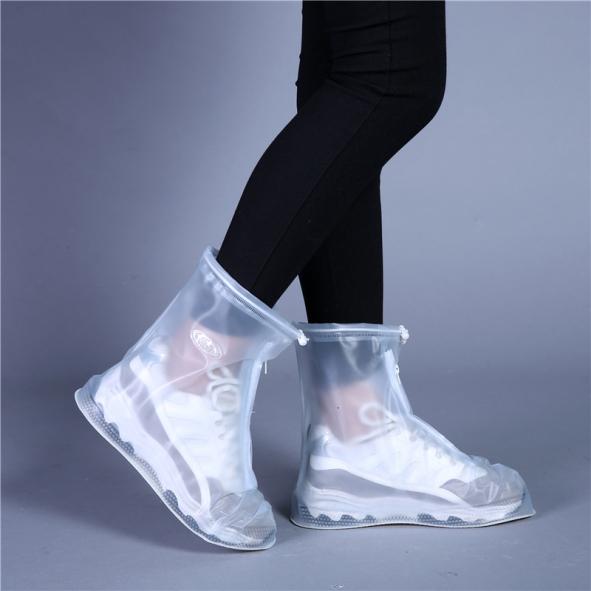 Ủng đi mưa chống trượt  trong suốt, thiết kế dày dặn chắc chắn, dễ dàng vệ sinh và bảo quản giá rẻ