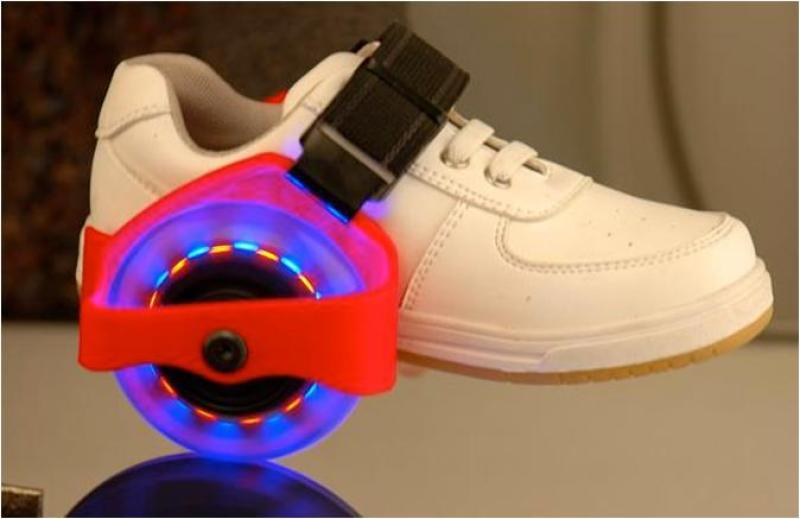 Phân phối Bánh trượt Patin- có đèn Led loại xịn