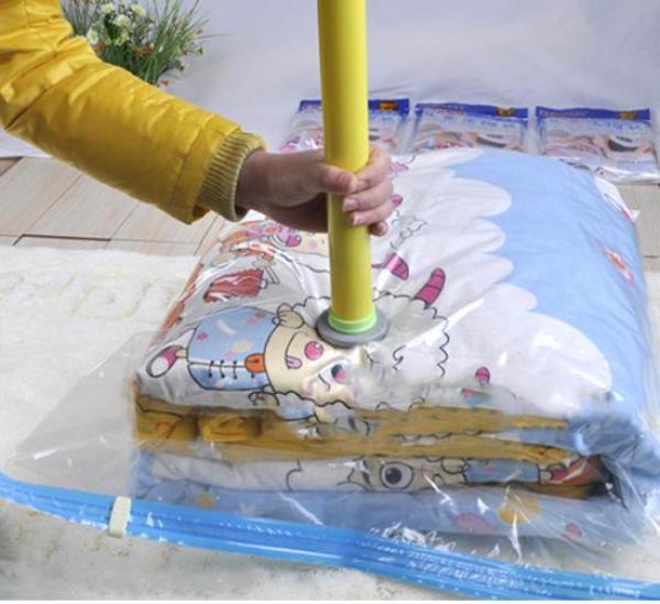 Bộ 8 túi hút chân không+1 bơm tay+1 khăn lau siêu mềm