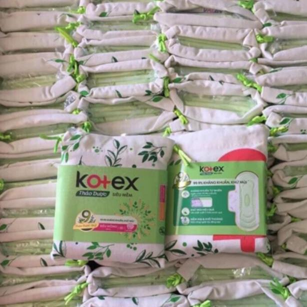 TPHCM - Combo 2 túi Băng vệ sinh Kotex thảo dược tặng kèm túi đựng dây rút (4 miếng)