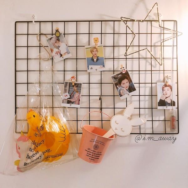 Tâm lưới thép treo tranh ảnh trang trí sinh nhật, decor phòng khách, khung treo trang trí nhà cửa - Tặng 2 đính 4 chân