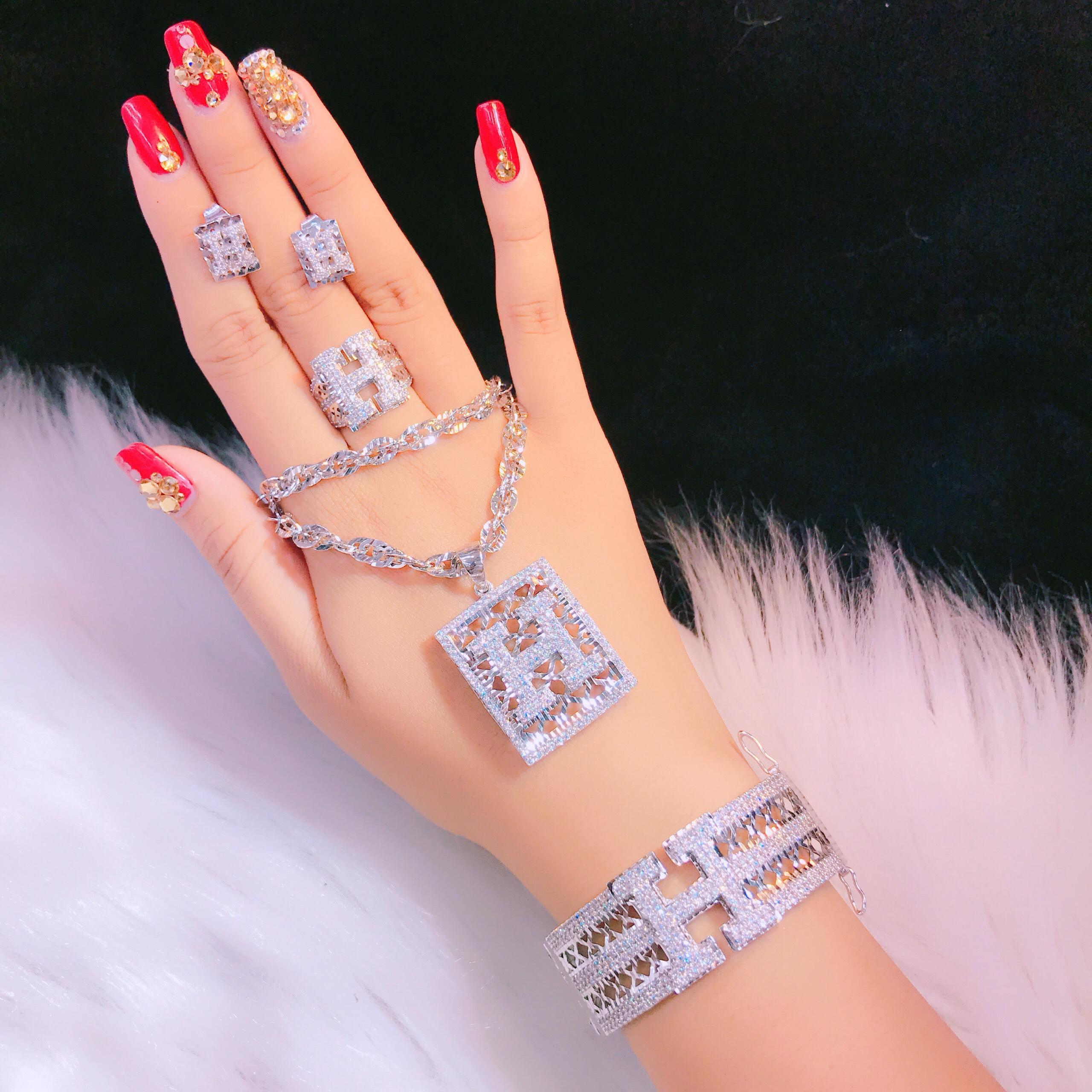Trang Sức Bộ Chữ H Xi Bạch Kim - Givishop - B4070715 , Bền Màu, Sáng Như Vàng Thật, Chất Liệu Bạc Thái, Không Đen - Thiết Kế Đi Tiệc, bộ trang sức bạch kim, bộ nữ trang bạch kim, trang sức bạch kim, giá trang sức bạch kim, trang sức bạch kim G